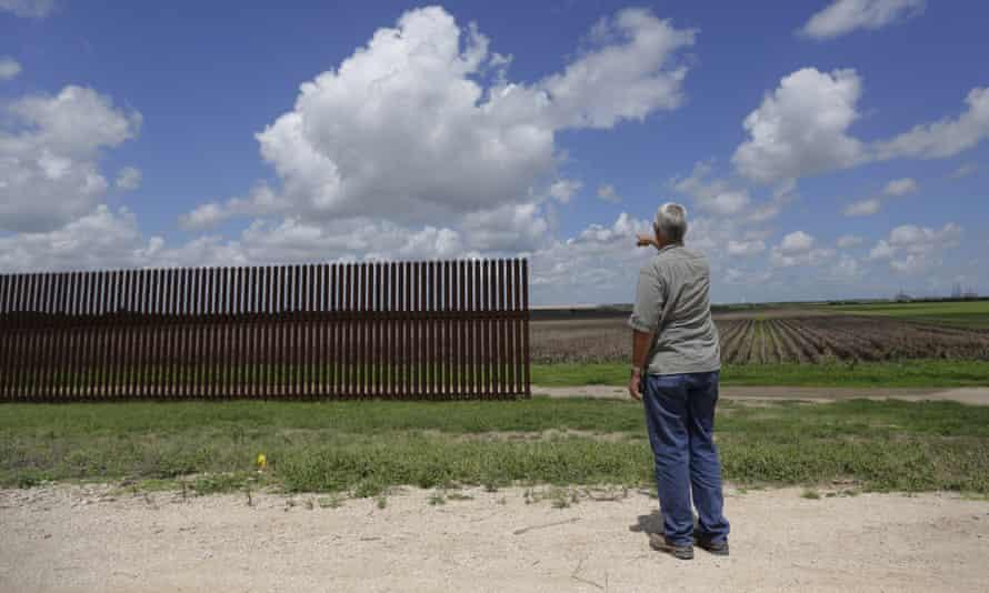 Texas Mexico border wall fence
