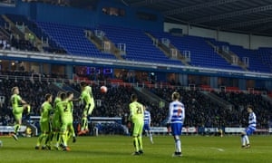 Lucas Piazon hits his free-kick over the wall and into the net to make it 1-2 and get Reading back in the game