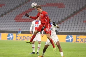 Thomas Muller glances in the equalizer for Bayern Munich.