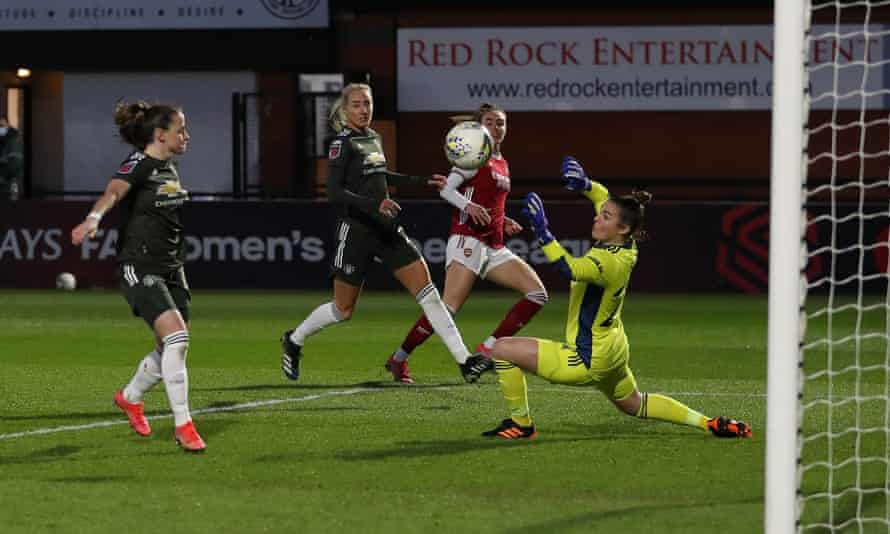 Jill Roord scores Arsenal's first goal, with a deflection off Millie Turner,  in their 2-0 home victory against Manchester United
