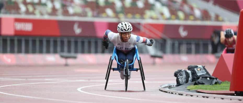 Kare Adenegan, wins silver in the 800m T34.