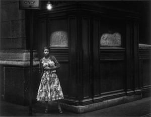 Dave Heath, Chicago, 1956 © Dave Heath, Collection of Michael Torosian, courtesy Howard Greenberg Gallery, New York, Stephen Bulger Gallery, Toronto.