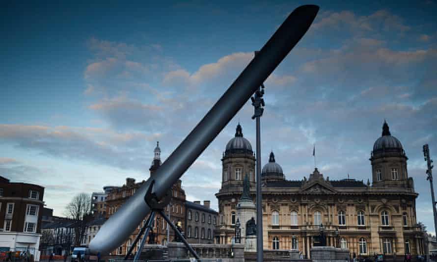 Bigged up … The Blade, by Nayan Kulkarni, on display in Victoria Square, Hull.