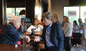 Tom Malinowski meets Democratic supporters in Springfield, New Jersey