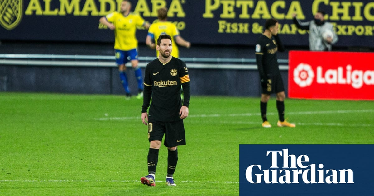Barcelona's league campaign – and maybe an era – looks like it is over | Sid Lowe