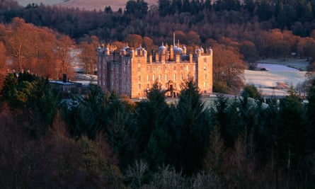 Drumlanrig Castle in the Nith Valley, Nithsdale, Scotland.