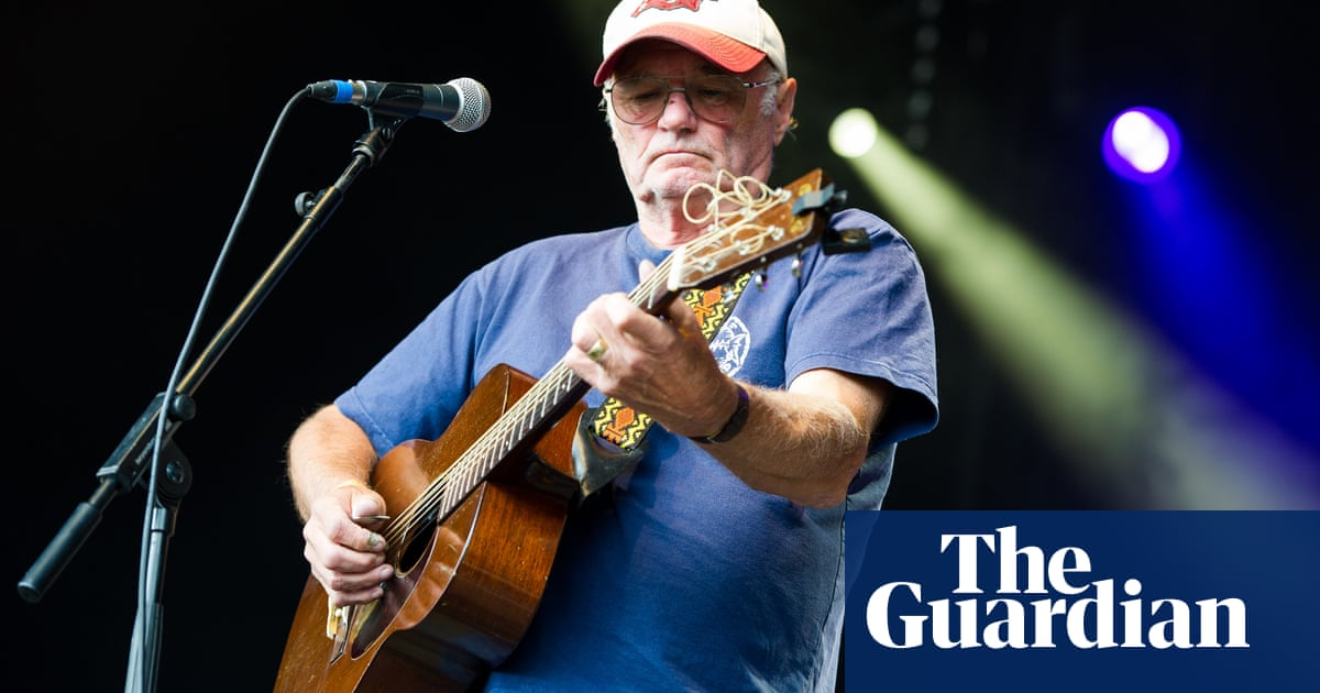 Michael Chapman: British folk musician dies aged 80