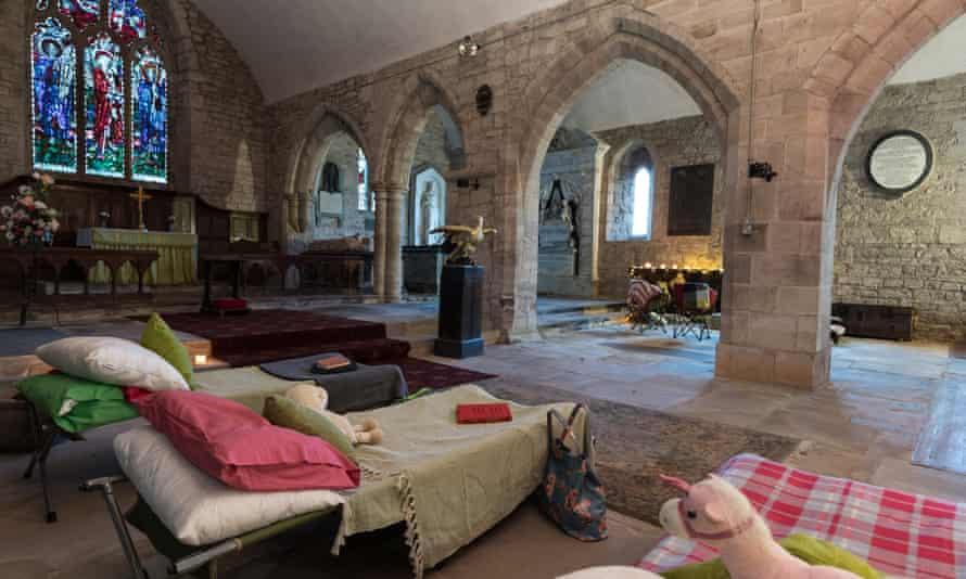 'Champing' (acampar en iglesias antiguas) en Holme Lacy