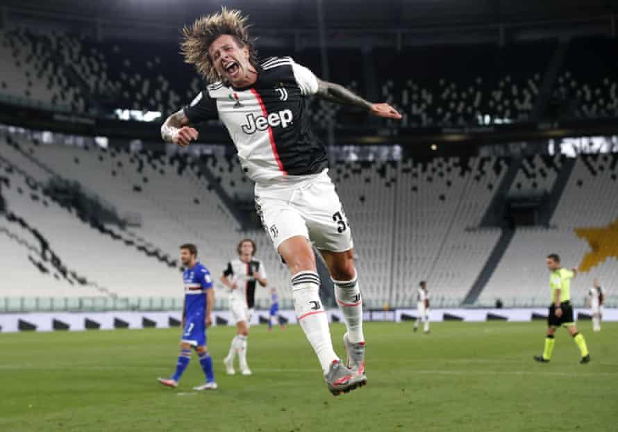 Federico Bernardeschi celebrates after scoring Juventus's second goal against Sampdoria.