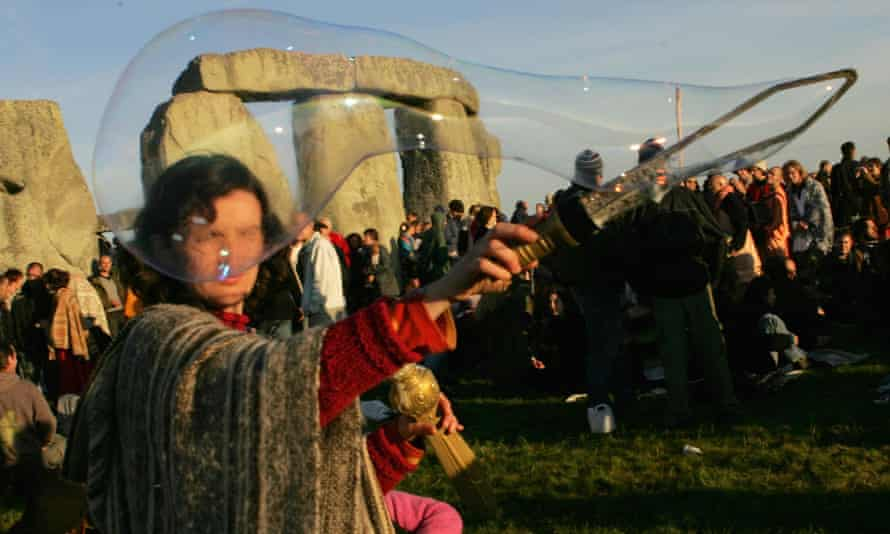 New age travellers at Stonehenge, June 2005