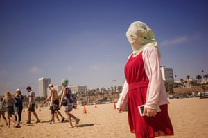 Woman on Santa Monica with veil over her face