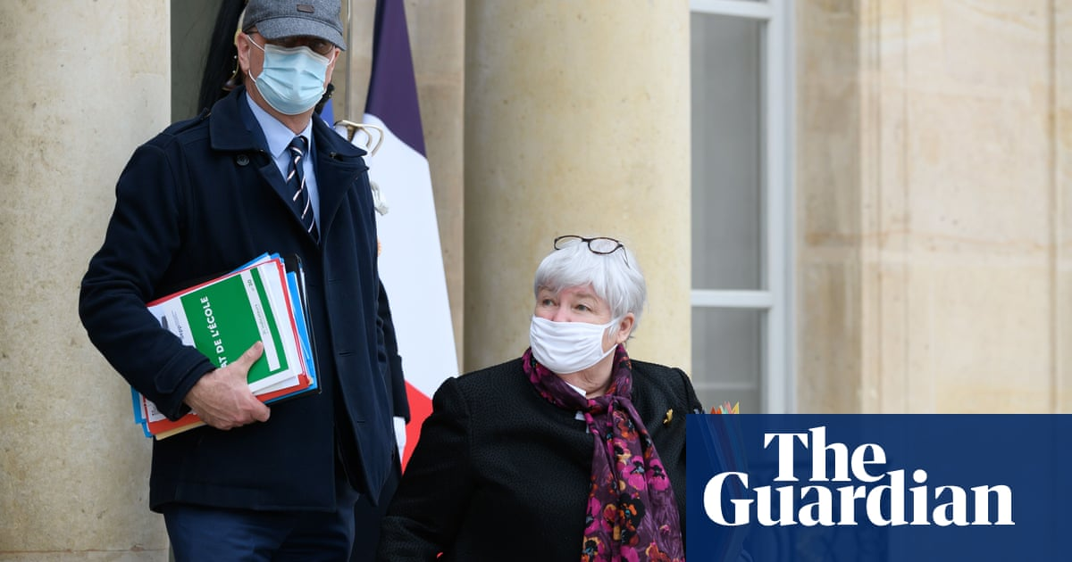 Spyware 'found on phones of five French cabinet members'