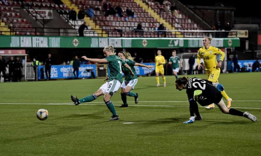 Nadene Caldwell scores Northern Ireland second goal, deep in added time against Ukraine