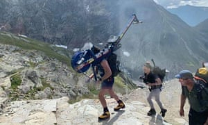A British man left a rowing machine in an emergency hut 4,362 metres up Mont Blanc, says mayor.