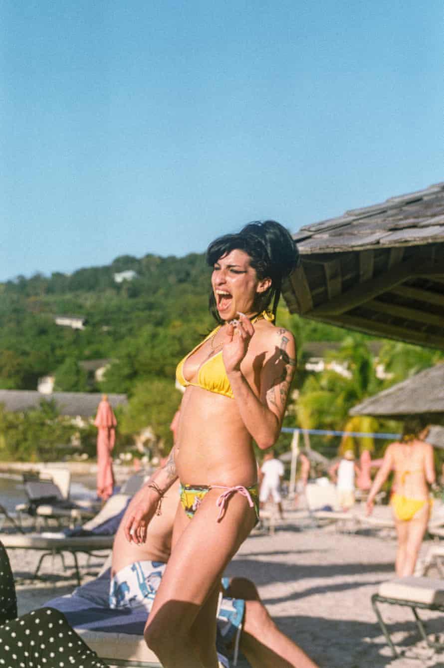 Amy Winehouse Cariblue Beach, Saint Lucia 2009
