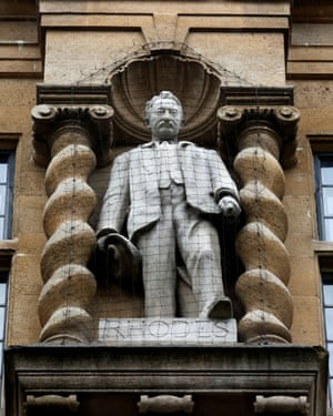 The statue of Cecil Rhodes on the Oriel college building.