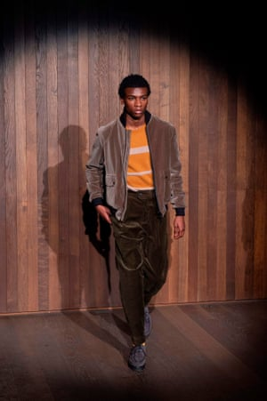 Oliver Spencer dedicated his collection to Joe Casely-Hayford. The theme was Alpinism but the focus was more on his use of sustainable materials, wool seersucker suits and his trademark tonally-muted colours.