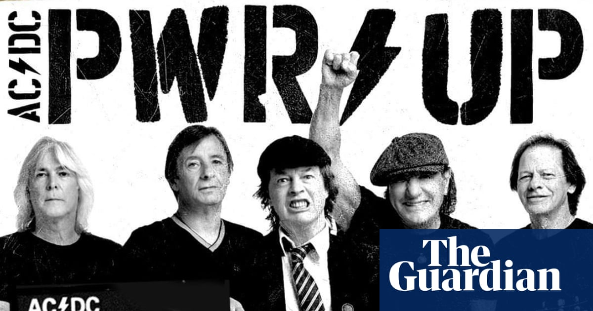 AC/DC reunite, featuring three former members