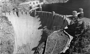 Boulder Dam under construction