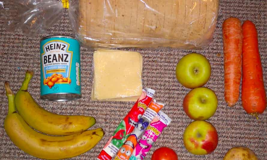 The picture of a food parcel posted by RoadsideMum on Twitter that caused a political furore.