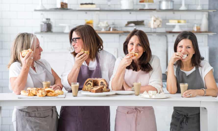 Lisa Goldberg (ganz links) ist Gründungsmitglied des Monday Morning Cooking Club, der jüdische Rezepte sammelt und bewahrt.