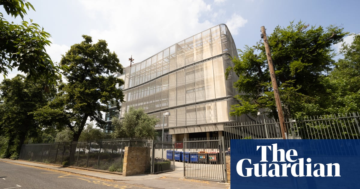 Allegations of 'toxic' working environment at top London school