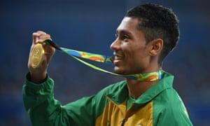 Wayde van Niekerk with Olympic gold medal
