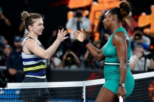 Williams shakes hands with Halep