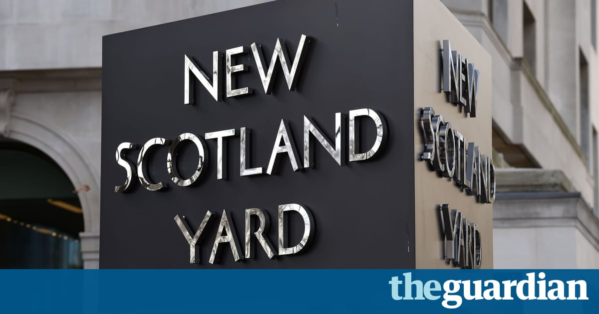 Met police still failing on child protection policies, report finds