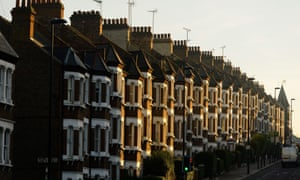 UK mortgage lending rises but banks warn on 'sluggish' economy