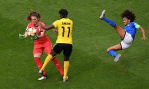 Laura Giuliani collides with Khadija Shaw.
