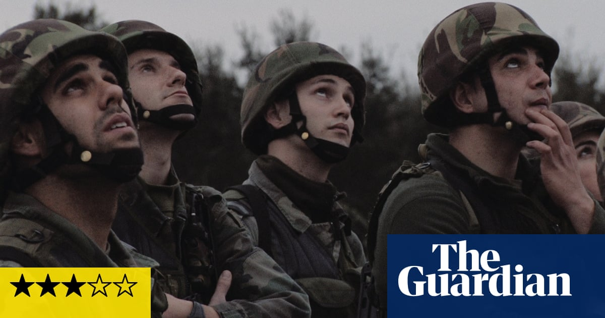 Campo review – salute to a beekeeping band of brothers