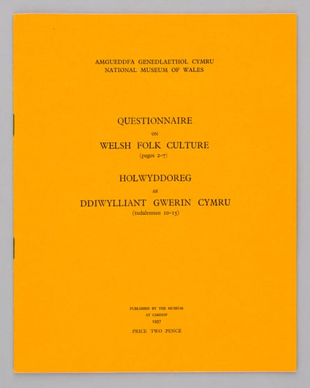 The front cover of the National Museum of Wales 1937 questionnaire on everyday life.