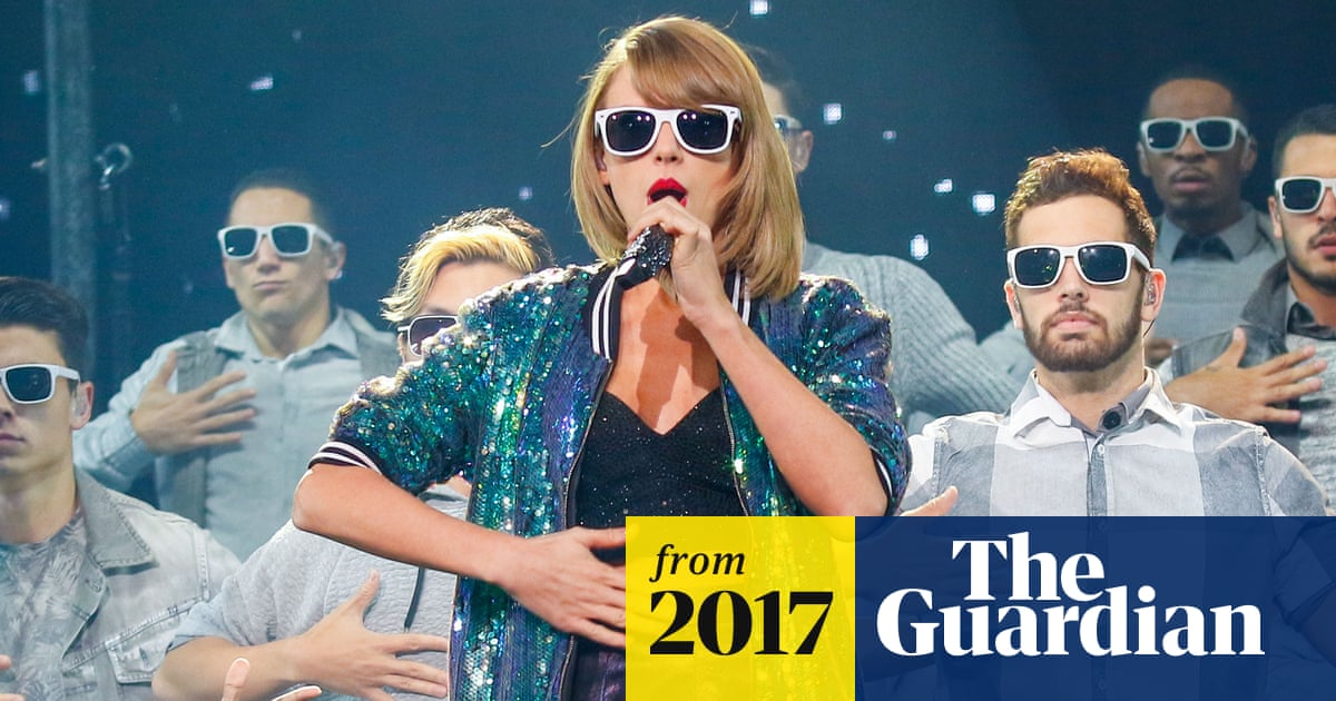 Taylor Swift scores biggest selling US album of 2017 in one
