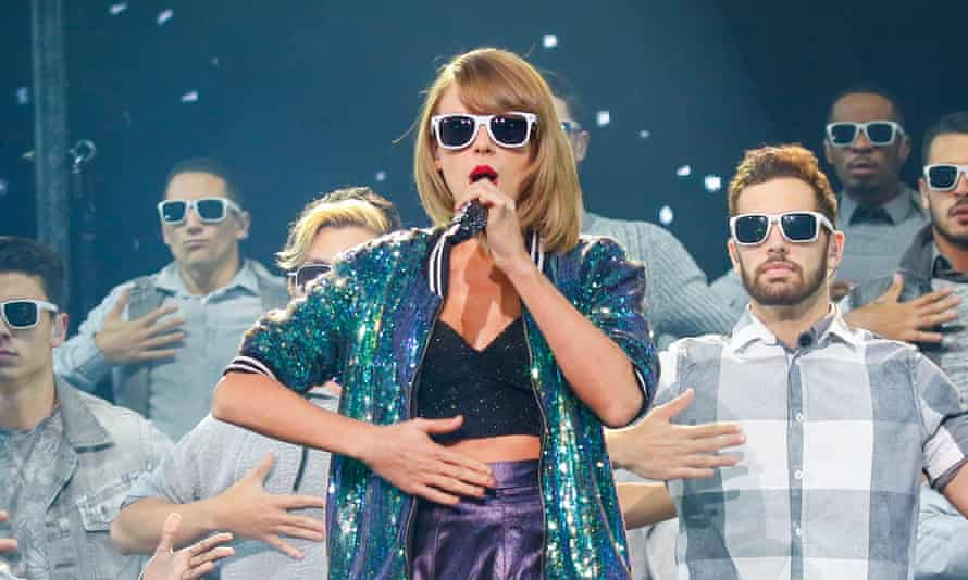 Taylor Swift on stage.