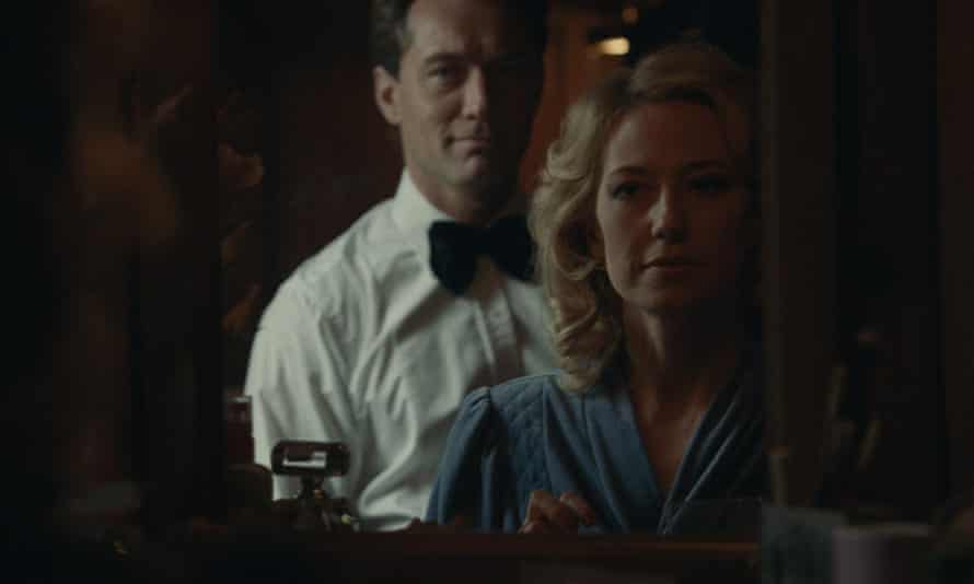 Jude Law and Carrie Coon in The Nest, a film elegantly constructed and precisely composed.