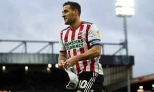 Billy Sharp celebrates his first goal of the game against Norwich.