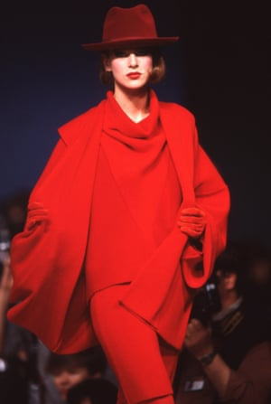A red outfit for Kenzo's autumn-winter collection in Paris, 1983
