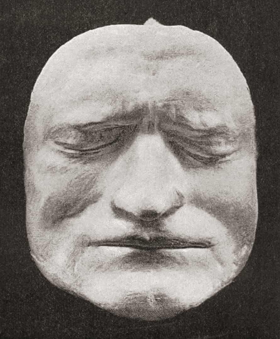 Illustration of the death Mask Of Sir Isaac Newton