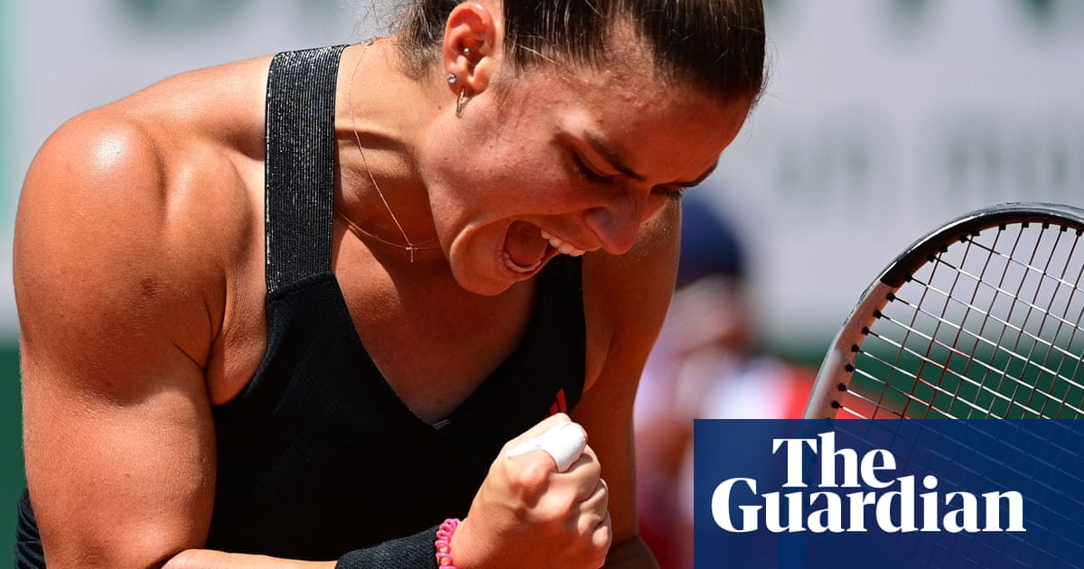 Maria Sakkari stuns French Open defending champion Iga Swiatek