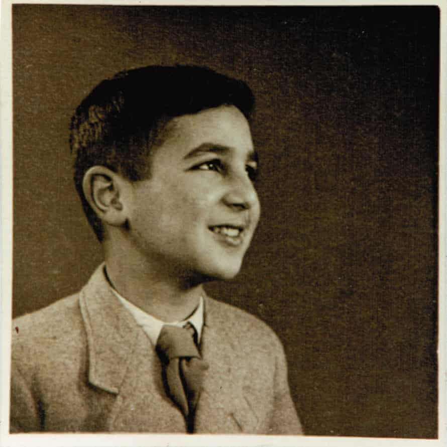 Gronowski as a child in 1942.