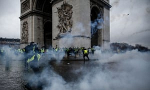 Rioters clash with police at the Arc de Triomphe