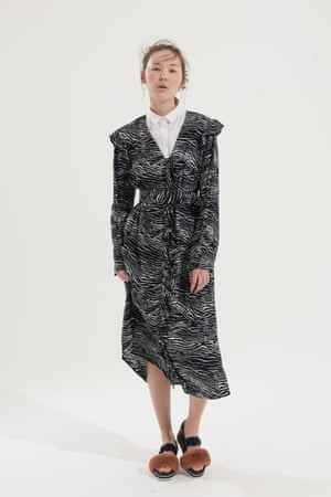 Long sleeve black and white  printed pattern dress H&M, white shirt Cos, black sandals with brown fur on front strap