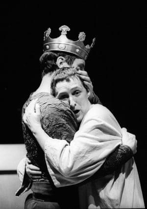 David Threlfall as Bolingbroke and Fiona Shaw as Richard II