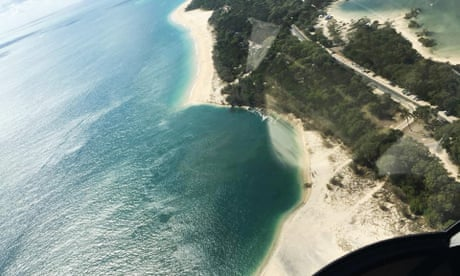 Hole 200-300 metres wide opens up on Queensland beach