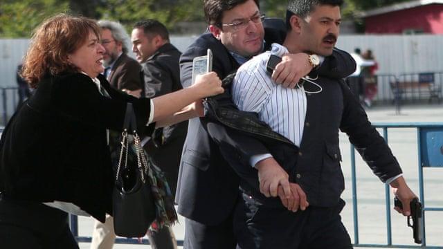 Turkish journalist Can Dündar jailed after surviving gun attack