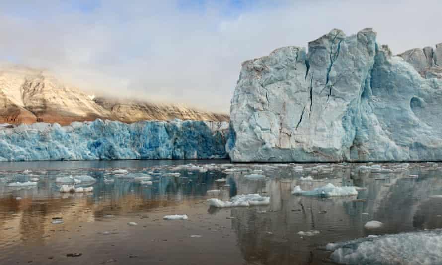 Arctic glacier melting