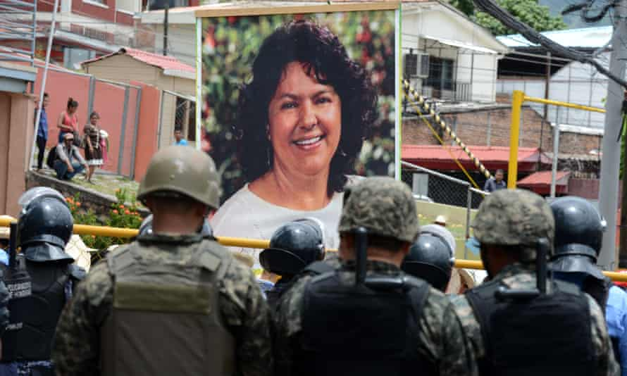 Indigenous Hondurans and peasants march on 17 August 2016 in Tegucigalpa demanding justice for the murder of indigenous environmentalist Berta Cáceres.