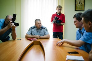 Ternopil head of police Oleksander Bohomol meets ERRC Volodymyr Navorotsky and Jonathan Lee