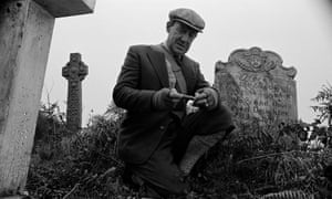 Michael Hordern in Jonathan Miller's adaptation of Whistle and I'll Come to You, 1968.